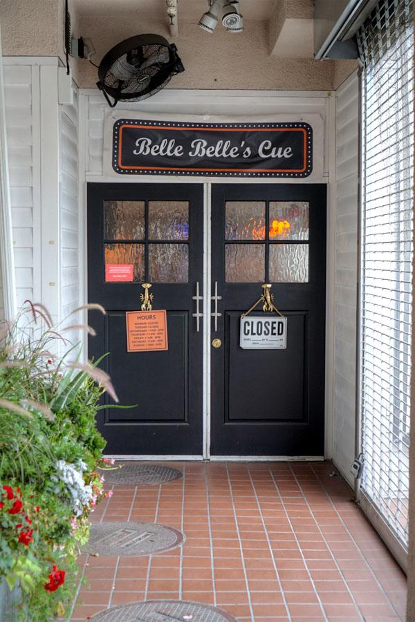 Belle Belle's Cue Entrance