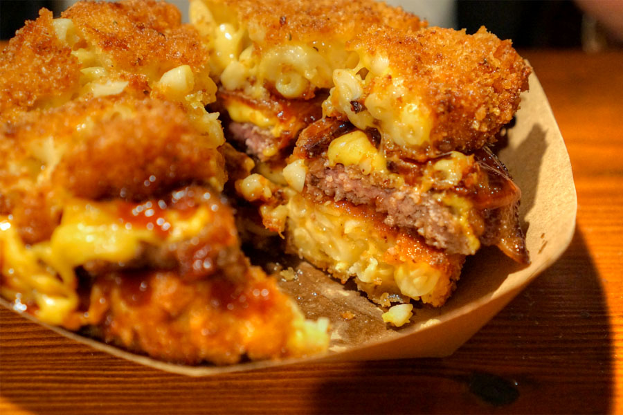 Macdaddy Burger (Cut Up)