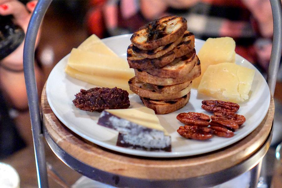 Scratch|Bar x Stepladder Cheeses