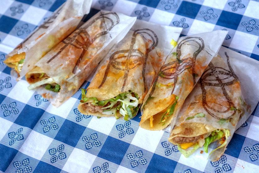Tacos de Caja Payaso / Joel Miller, Carlos Enriquez
