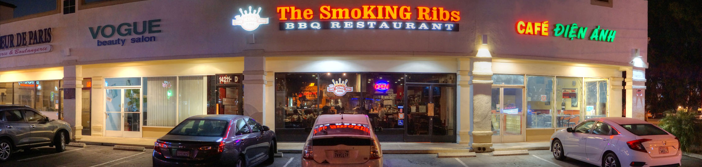 The Smoking Ribs Exterior