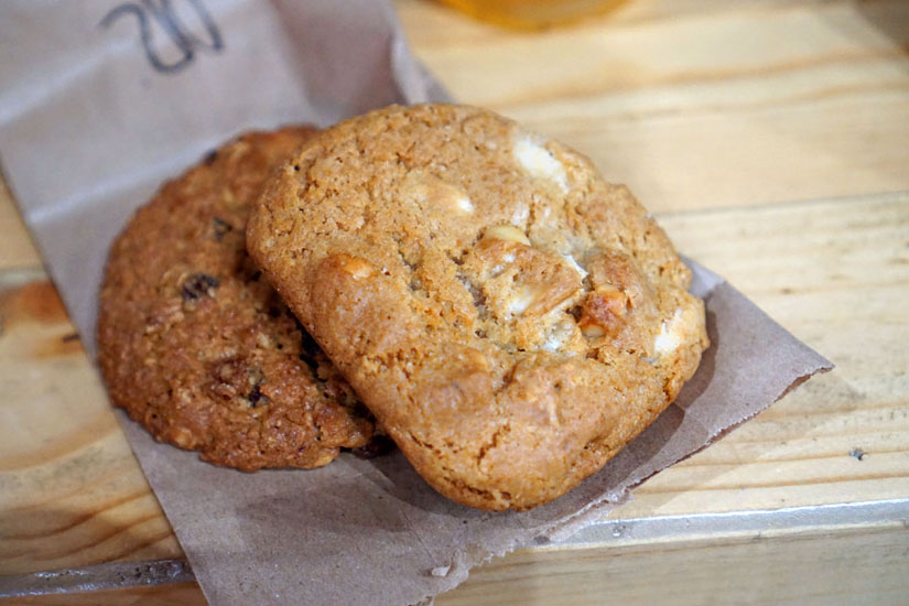 Oatmeal Raisin Cookie & White Chocolate Macadamia Cookie