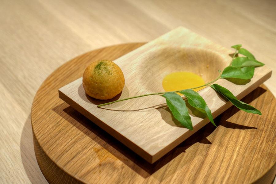 Pigtail curry bun