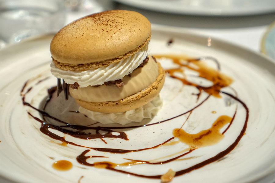 Café Au Lait Macaron