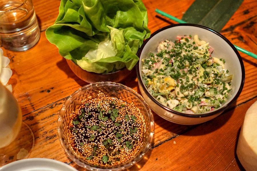 potato-mac salad, lettuce, sauce