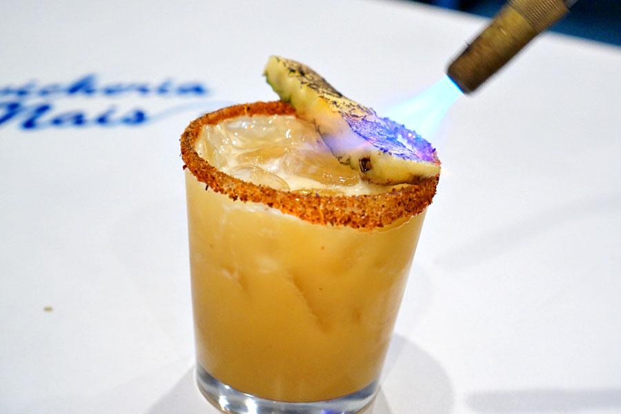 Piña Tatemada (Being Torched)
