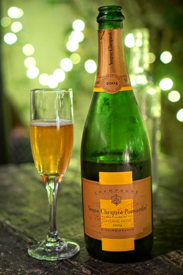 2004 Veuve Clicquot Ponsardin Champagne Brut Rosé Vintage