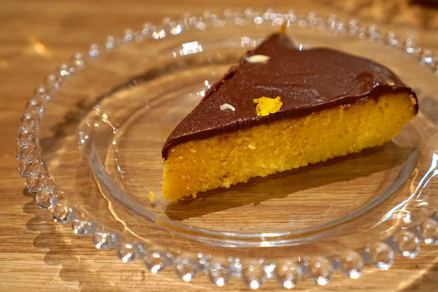 Flourless Tangerine Cake