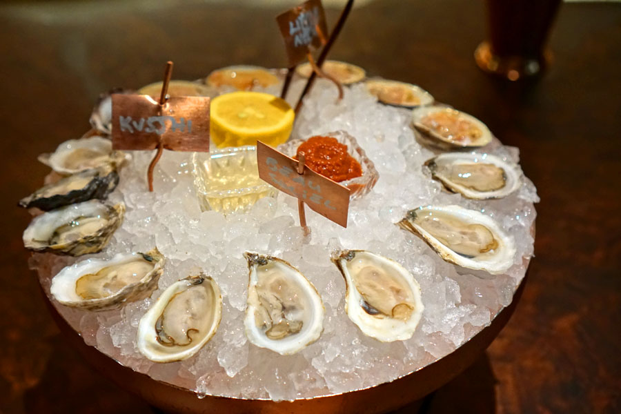 Kusshi Oysters / Beausoleil Oysters / Little Neck Clams