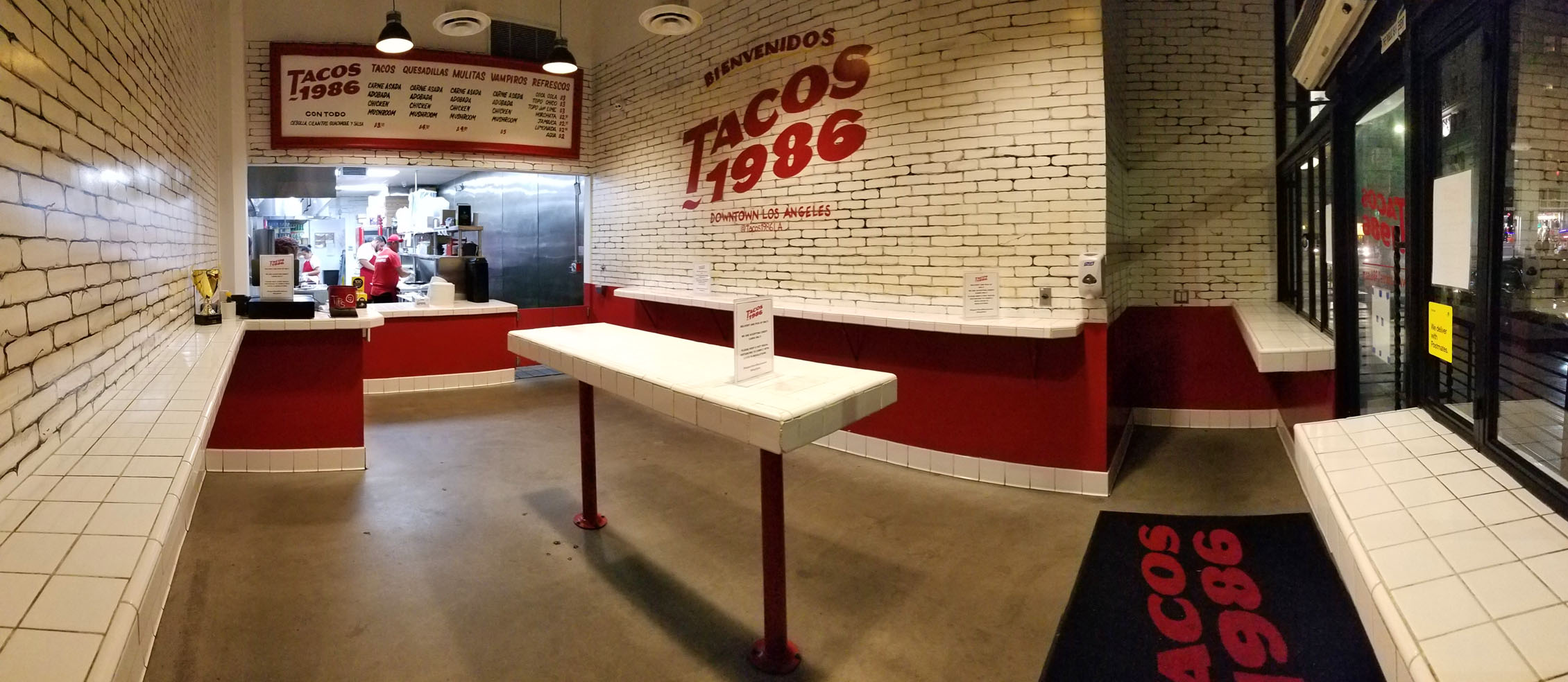 Tacos 1986 Interior