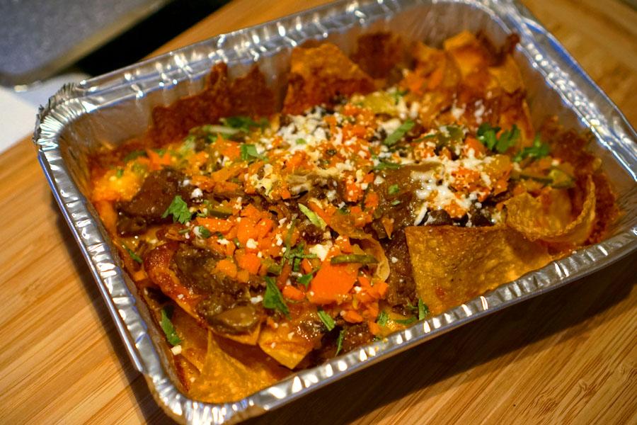 nachos 'sencillo' + grass-fed curried beef