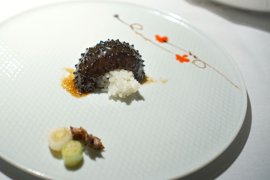 48-hour braised sea cucumber, twenty-two different herbs and spices