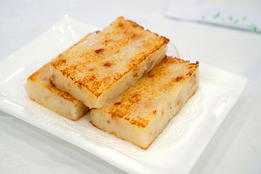 臘味蘿白糕 / Pan-Fried Daikon Cake