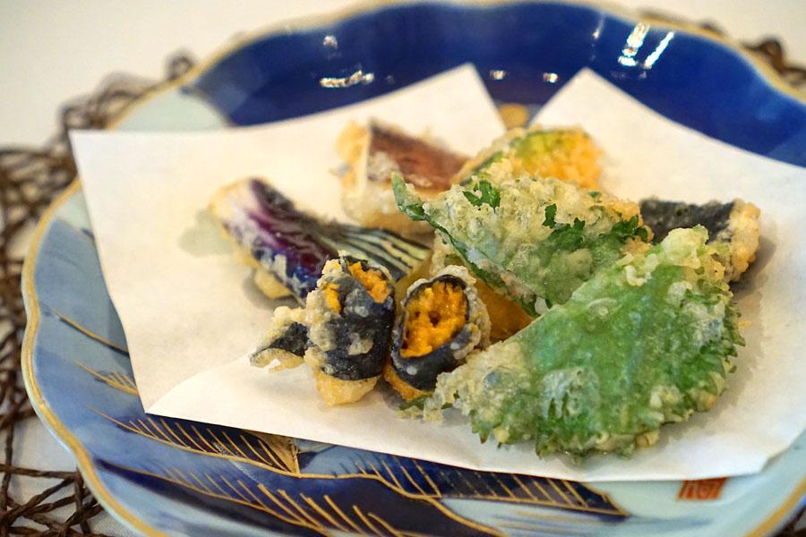 Sea Urchin, Minced Shrimp with Shiso Leaf, Scallop with Seaweed, Seasonal Vegetables Tempura
